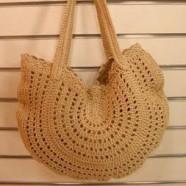 Оригинальная сумочка, связанная крючком