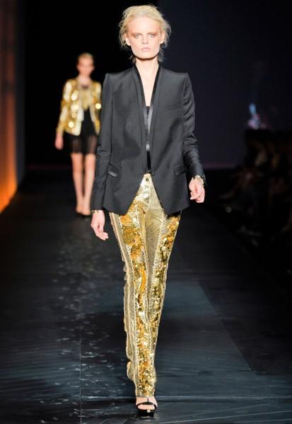 Цвет в одежде. Металлическое золото  Фото