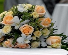 Что делать с пойманным букетом невесты?