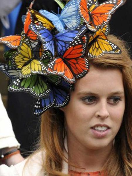 Топ 15 сумасшедших шляп фото