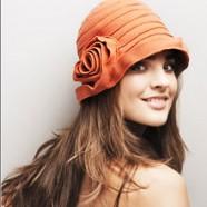 Как выбрать головной убор для миниатюрной  женщины