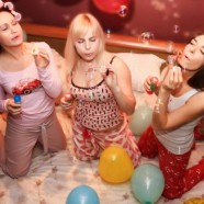 Мода на пижамные вечеринки