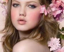 Модели с нестандартной внешностью:Линдси Виксон